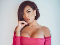 Adriana_Pink