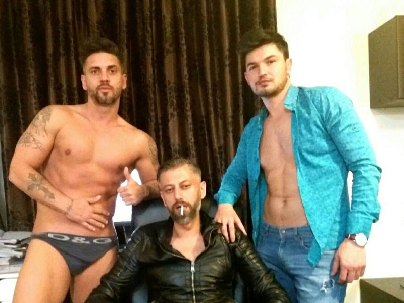 Luciano Rey & Gordon Slim & Carl Crossley's Cam Sex Chat