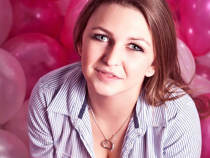 Webcam model Nessy Evans from WebPowerCam
