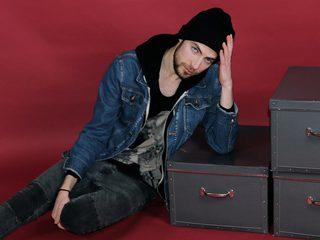 Sexy Photo of Justin Flaem