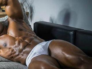 Sexy Photo of Percy Chav