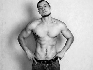 Hunky Oliver Flirt4free.com