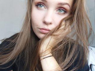 Claudia Stone