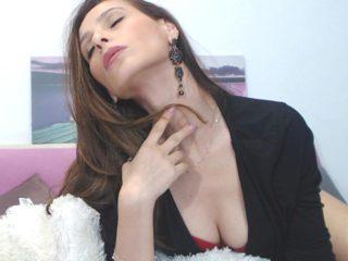 Karina Delux Live