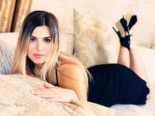Angelica_Lucky Live