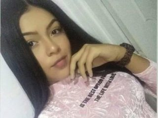 Raquel_Latina Room