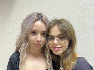 Eleanor_Hailey_&_Raisa_Razzeti Cam