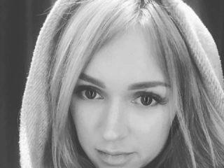 Chloe_Harrington Stream