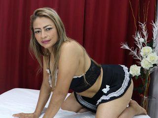 Luna Delmarr Live
