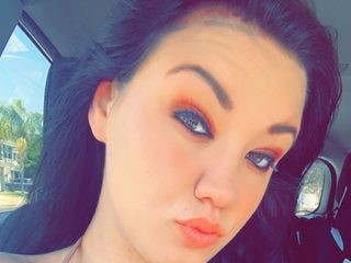Chelsea_Dyerly Cam