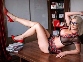Tina_Harley Room