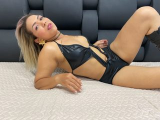 Sonya Clay Live